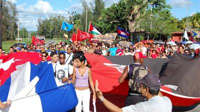 20091017190614-jovenes-formacion-patriotic.jpg