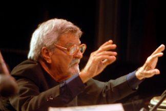 20110703200617-urribarres-director-titular-de-la-sinfonica-villa-clara.jpg