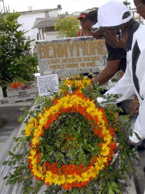 20091116010416-homenaje-bennymore-festival.jpg