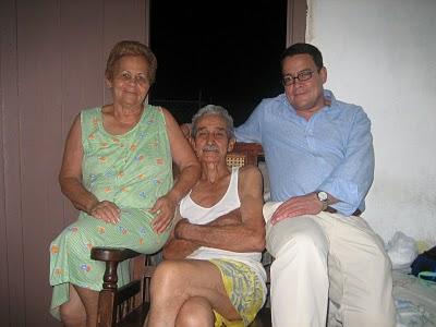 20100806153727-elisa-jose-jesus-la-familia.jpg