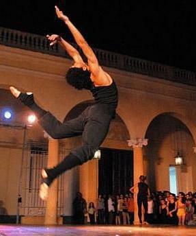 20110219075521-danza-del-alma-parque-vidal.jpg