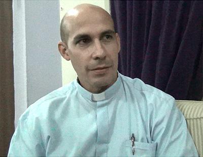 20150922235802-rolando-montes-de-oca-sacerdote-catolico-en-la-television-cubana.jpg