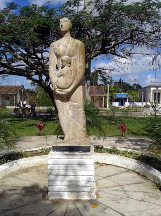 20180425233149-monumento-a-las-madres-en-z.jpg